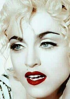 Madonna Madonna 90s, Madonna Albums, Madonna Fashion, Lady Madonna, 90s Fashion, Best Female Artists, Female Singers, Veronica, Maria Sharapova Hot