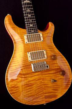 Prs Guitar, Guitar Art, Cool Guitar, Acoustic Guitars, Paul Reed Smith, Guitars For Sale, Beautiful Guitars, Custom Guitars, Mandolin