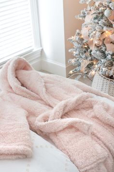Super cozy robe at a great price - perfect gift for teen girls! Gift Baskets For Men, Themed Gift Baskets, Raffle Baskets, Teen Christmas Gifts, Christmas Rose, Holiday, Spa Gifts, Geek Gifts, Bean Bag Inside