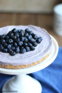 Eisgekühlter Blaubeer-Cheesecake ohne Backen