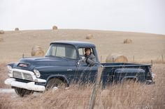 Heartland on CBC. I know I watch Heartland too much when I start to love old trucks. Almost everyone on the show has an old truck! Classic Pickup Trucks, Old Pickup Trucks, Gmc Trucks, Lifted Trucks, Lifted Ford, Diesel Trucks, Gmc Pickup, Pickup Camper, Chevrolet Silverado