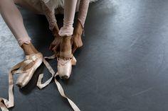 Fondu Tendue, Ballerina Life | ZsaZsa Bellagio - Like No Other