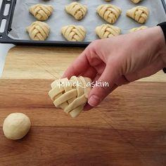 Turkey Cake, Prune, Turkish Recipes, Dessert Recipes, Desserts, Food Blogs, Iftar, Biscotti, Food Styling