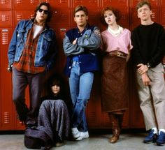 John Hughes' iconic 1985 coming-of-age film stars Molly Ringwald, Emilio Estevez, Anthony Michael Hall, Judd Nelson and Ally Sheedy Best Teen Movies, 80s Movies, Movie Tv, Iconic Movies, Classic Movies, Judd Nelson, Pop Culture Halloween Costume, Halloween Costumes, 80s Movie Costumes