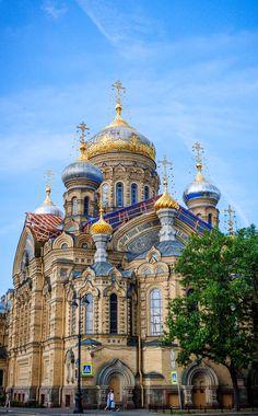 Simply beautiful architechture around St Petersburg