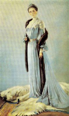 Beautiful tones. Princess Zinaida Yusupova. She is best known as the mother of Prince Felix Yusupov, the murderer of Rasputin.