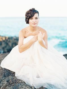 Feminine Bridal Style Inspiration | Wedding Sparrow | D'Arcy Benincosa