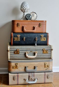 How to Clean & Care for Antiques: Vintage LuggageYou can find Vintage luggage and more on our website.How to Clean & Care for Antiques: Vintage Luggage Vintage Bedroom Furniture, Bedroom Vintage, White Furniture, Antique Furniture, Modern Furniture, Furniture Design, Rustic Furniture, Chair Design, Design Design