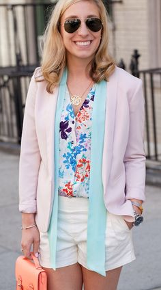 Florals- such a great spring trend which is versatile & can be styled in so many ways!