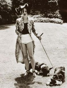 Isabella Blow and dogs!