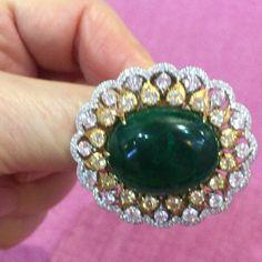 margotmckinneyjewellery37.05ct Columbian Emerald surrounded with Diamonds @margotmckinneyjewellery #preciousjewels #jewelryinspiration #luxuryjewelry @emporiumbne