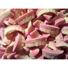 Barratt Milk Teeth Sweets - Buy Online @ The Sweet Shop - Retro Sweets. These are so yummy! 1970s Childhood, My Childhood Memories, Childhood Toys, Sweet Memories, 80s Sweets, Penny Sweets, English Sweets, Cake Pops, Old Fashioned Sweets