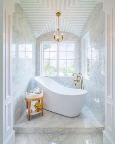 Discover the top 60 best white bathroom ideas featuring unique faucet, fixture and decor accents. Explore clean and unique home interior design ideas. White Marble Bathrooms, Small Bathroom, Bathroom Ideas, Bathroom Stuff, Bathroom Designs, Master Bathroom, Gold Bathroom, Bathtub Designs, Ikea Bathroom