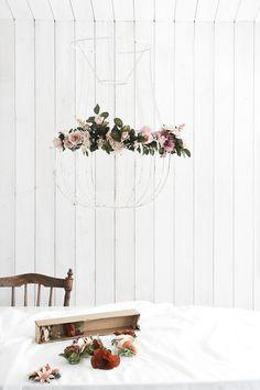 DIY: Gör en lampskärm med blommor som skvallrar om våren