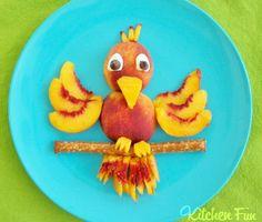 Roliga mellanmål fågel Fruit Snacks, Fun Fruit, Snacks Kids, Cute Snacks, Summer Fruit, Animal Food, Animal Snacks, Fruit Animals, Fruit Art Kids