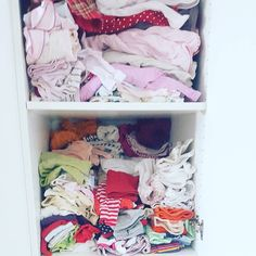 Ich glaub der Schrank ist zu klein. Mist und ja ich kann nicht gut Wäsche falten.#nestbau #augustbaby #baby2016 #schwangereblogger #schwanger #baby #mamablogger_de #germanblogger #blogger_de #elternblog #familienblog