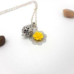 A parfumer!!! collier à parfumer estampe fleur jaune