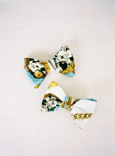 Chic chain-print bow ties