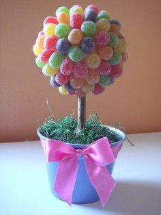 New party themes spring table settings ideas Candy Land Theme, Candy Centerpieces, Centrepieces, Sweet Trees, Spring Shower, Chocolate Bouquet, Candy Bouquet, Baby Shower, Candyland