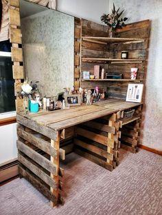 Western Bedroom Decor, Western Rooms, Western Decor, Cowgirl Bedroom, Deco Cool, Diy Pallet Furniture, Pallet Desk, Pallet Closet, Diy Pallet Vanity