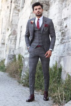 Collection: Fall – Winter Product: Slim-Fit Plaid Suit Color Code: Anthracite Available Size: Indian Men Fashion, Mens Fashion Suits, Mens Suits, Gold Fashion, Fashion Rings, Korean Fashion, Men's Fashion, Plaid Suit, Suit Vest