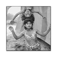 Acrobats Rehearsing Head-to-Head, Great Golden Circus, Ahmedabad, India, 1990, photo by Mary Ellen Mark,-Exposure
