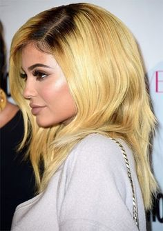 26 Kylie Jenner Hair Styles - New Hair Styles 2018 Kylie Jenner Daily, Kylie Jenner Photos, Kylie Jenner Makeup, Kendall And Kylie Jenner, Jenner Hair, Blonde With Dark Roots, Platinum Hair, Punk, Beauty Shots
