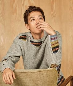 "Kim Rae Won, currently slaying hearts in ""Doctors"" showed his childlike, humorous side for the August issue of High Cut. Is it just us or has his smile become more charming over the yea… Lee Jong Hyun, Lee Seung Gi, Asian Actors, Korean Actors, Korean Actresses, Marie Claire, Korean Fashion Men, Mens Fashion, Kim Rae Won"