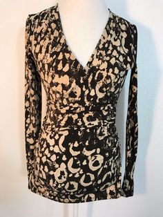 bd40ed582c21d JENNIFER LOPEZ Wrap Style Blouse Long Sleeve Brown Tan Print Stretch Size S  1010  JLO  Blouse  Career