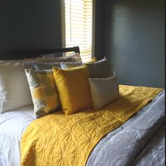 grey and yellow! Swap to grey quilt yellow duvet Yellow Gray Room, Yellow Bedding, Grey Room, Mellow Yellow, Charcoal Bedroom, Gray Bedroom, Master Bedroom Design, Bedroom Colors, Shabby Chic Bedrooms
