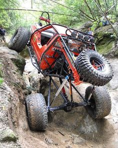 100 Photos of Off-Road Insanity Every Guy Should See - Autós kellékek - Car Toyota 4x4, Toyota Trucks, 4x4 Trucks, Cool Trucks, Cool Cars, Custom Trucks, Buggy, Jeep 4x4, Jeep Truck