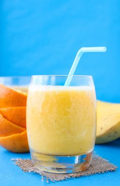 Four ingredient Orange Creamsicle Smoothie (plus ice but that doesn't count!) | No added sugar, dairy free & easy to make. | Paleo + Vegan + Low FODMAP