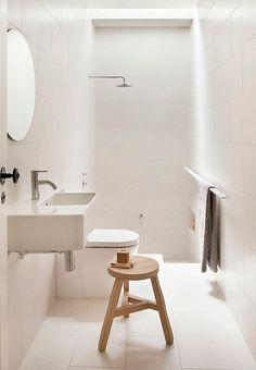 Bliv inspireret af disse 8 små badeværelser, der alle formår at rumme badekar - på trods af den trængte plads.