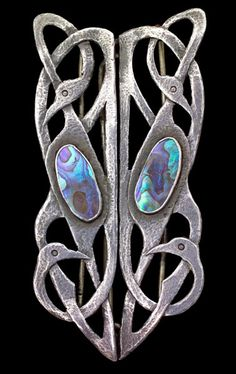 Art Nouveau Celtic Bird Buckle, Silver and Abalone Jewelry Crafts, Jewelry Art, Antique Jewelry, Vintage Jewelry, Fine Jewelry, Jewelry Design, Jewlery, Bijoux Art Nouveau, Art Nouveau Jewelry