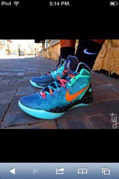 9c06a80f1b170 Nike Zoom Hyperdunk 2011 Supreme
