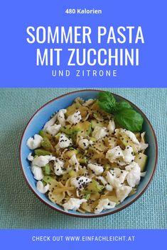Happy Zucchini-Time! Jetzt sind sie reif und gut, die Zucchini aus dem eigenen Garten. Für alle Zucchini-Fans gibt es hier eine sommerliche Pasta mit Zucchini und Zitrone, frisch und leicht. Perfekt für den Sommerabend oder für ein Lunch in the office. Office, Zucchini, Grains, Pasta, Food, 500 Calories, Summer Evening, Lemon, Weight Loss
