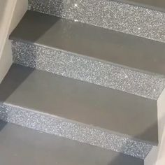 silver glitter fabric stairs - our silver fabric backed wallcovering used on these stairs. Order samples on our webs - Glitter Home Decor, Glitter Bedroom, Diy Home Decor, Bling Bedroom, Glitter Wallpaper Bedroom, Glitter Stairs, Glitter Paint For Walls, Glitter Ceiling, Glitter Floor