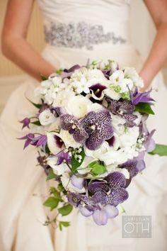 bouquet that\'s more sparingly purple | Wedding Ideas | Pinterest ...