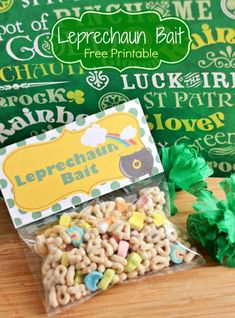This Leprechaun Bait snack bag is easy to make and perfect for kids on St. Patrick's Day!