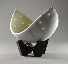 Bloom I, kiln formed glass by Darryl Berry (I just took Richard Parrish's class with Darryl!)