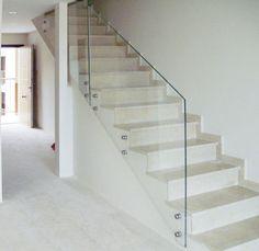 Barandilla VRIS Small Staircase, Staircase Handrail, House Staircase, Railings, Interior Stair Railing, Railing Design, Staircase Design, Glass Balcony Railing, Glass Stairs