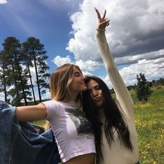 - Source by lottizum - Cute Friend Pictures, Best Friend Pictures, Shotting Photo, Insta Photo Ideas, Cute Friends, Real Friends, Best Friend Goals, Summer Aesthetic, Friends Forever