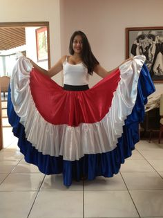 Enagua típica costarricense Culture Day, Flamenco Skirt, Full Length Skirts, Mexican Dresses, Country Crafts, Dance Dresses, Traditional Dresses, Dress Up, Costumes