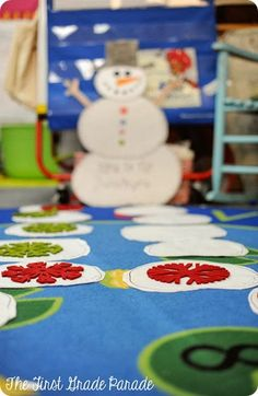 The First Grade Parade: There's SNOW Time Like Winter! - Cute Race to the Snowman game in Cara Carroll's room!