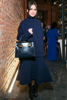 Miroslava Duma cozy & chic in a navy oversized turtleneck paired w/ a midi full skirt & Hermès Kelly bag Mira Duma, Kelly Bag, Miroslava Duma, Street Style, Street Chic, Girl Fashion, Fashion Outfits, Womens Fashion, Fashion Tips
