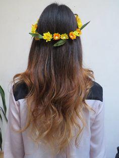 Ombre Hair - freestyle - mechas californianas . corona de flores