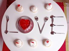 42 Cheap Table Decoration Ideas For Valentines Day - The most important thing to keep in mind while decorating a dinner table is to create a romantic and cozy feeling. The table setting should be arrange. Cheap Table Decorations, Valentine Day Table Decorations, Decoration Table, Table Centerpieces, Centerpiece Ideas, Valentines Day Pictures, Valentines Day Dinner, Christmas Pictures, Be My Valentine