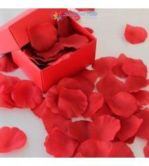 Kırmızı Gül Yaprakları
