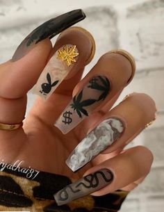 Fashionable and Versatile Transparent Coffin Nails, More Accompany With This Spring and Summer - Lily Fashion Style Halloween Acrylic Nails, Bling Acrylic Nails, Acrylic Nails Coffin Short, Simple Acrylic Nails, Square Acrylic Nails, Summer Acrylic Nails, Best Acrylic Nails, Summer Nails, Gold Coffin Nails