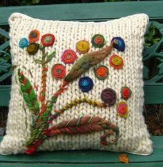 Ideas For Embroidery Pillow Patterns Yarns Knitting Stitches, Knitting Patterns, Crochet Patterns, Pillow Patterns, Embroidery Patterns, Hand Embroidery, Crochet Cushion Cover, Patchwork Cushion, Crochet Pillow